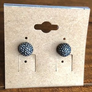 Accessories - Charcoal grey earrings